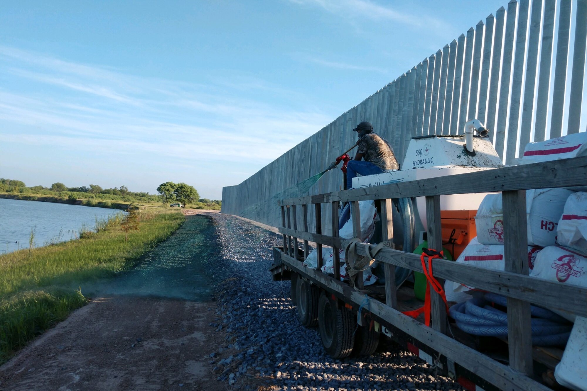 New Engineering Report Finds Privately Built Border Wall Will Fail